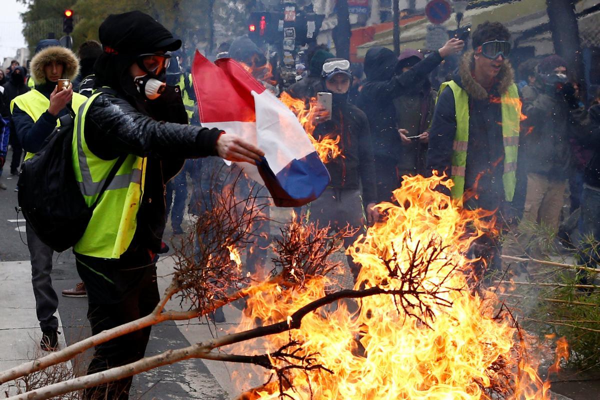 Акция «желтых жилетов» в Париже / REUTERS