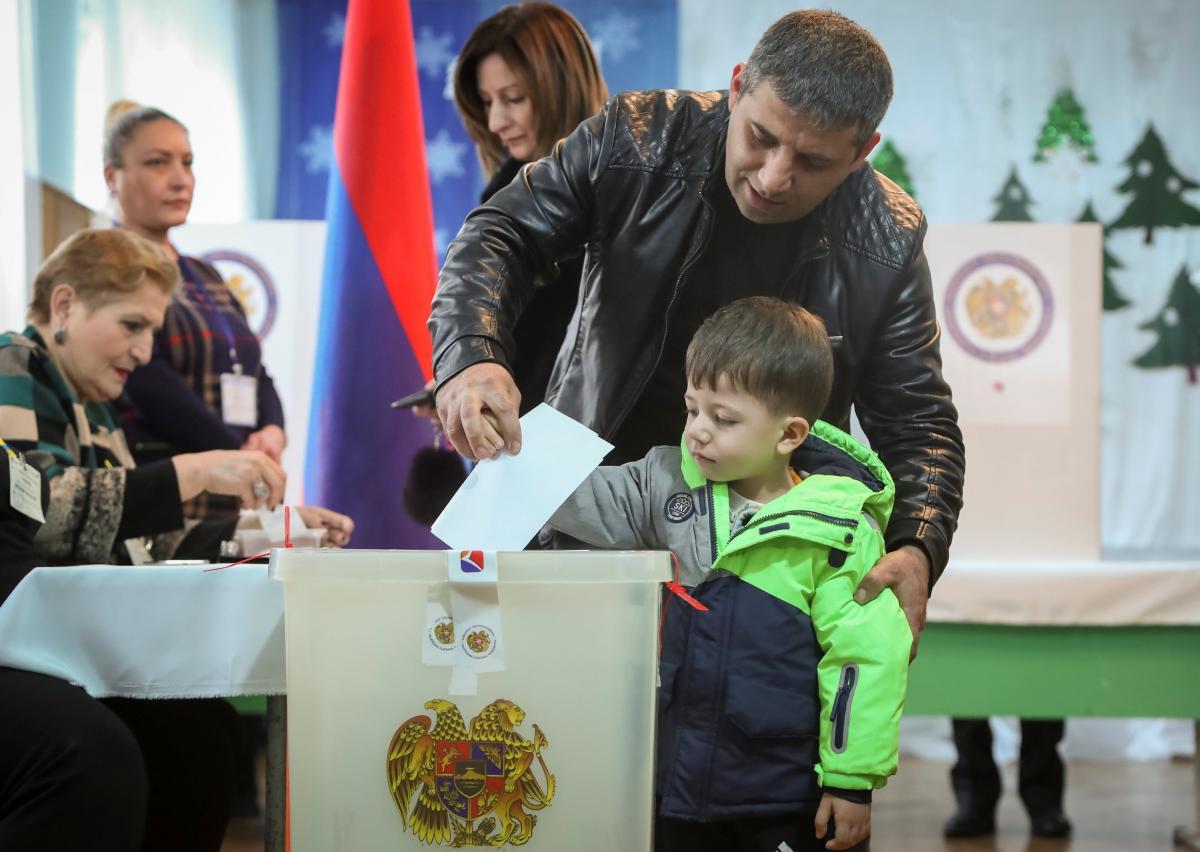 В Армении проходят досрочные выборы парламента / Иллюстрация REUTERS