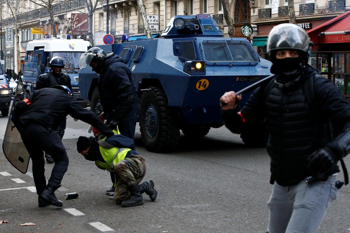 Невідомі пошкодили табличку на будівлі українського посольства в Парижі, - глава українсько-французької асоціації Лазар - Цензор.НЕТ 187