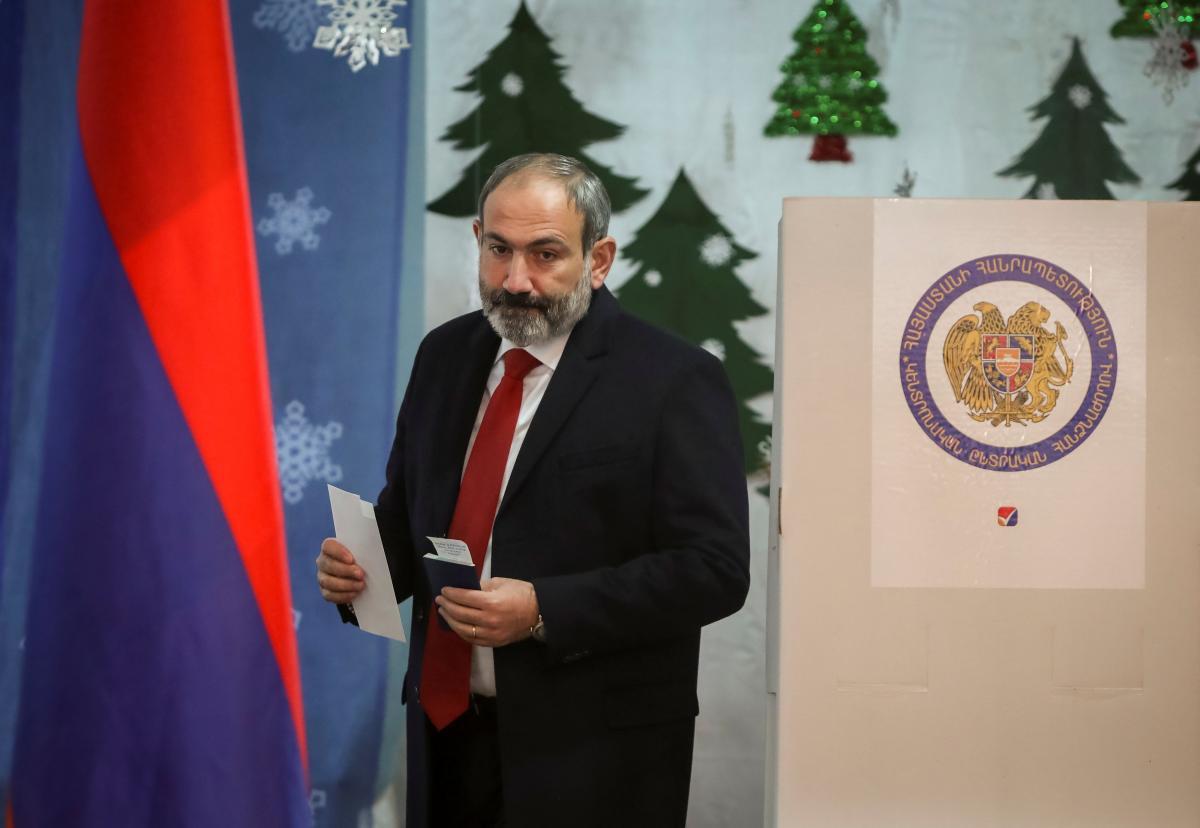 Никол Пашинян объявил о внеочередных выборах в парламент / REUTERS
