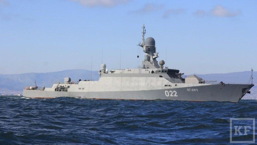 Корабль оснащенкрылатыми ракетами большой дальности «Калибр» / KazanFirst