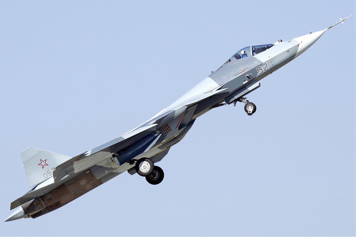 """Системы БПЛА """"Охотник"""" испытывают на Су-57 / фото wikipedia.org"""