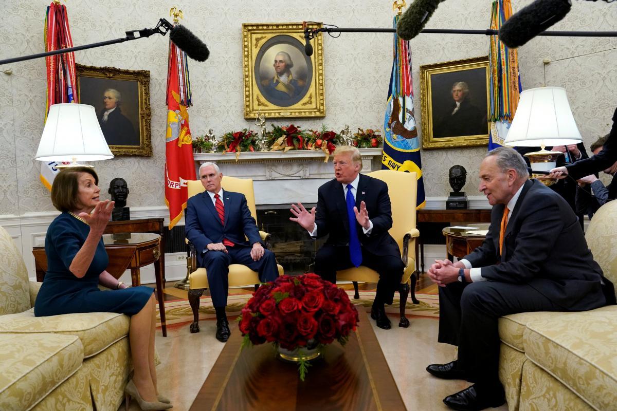 Трамп зустрівся з лідерами демократів у Сенаті і Палаті представників Чаком Шумером і Ненсі Пелосі / REUTERS