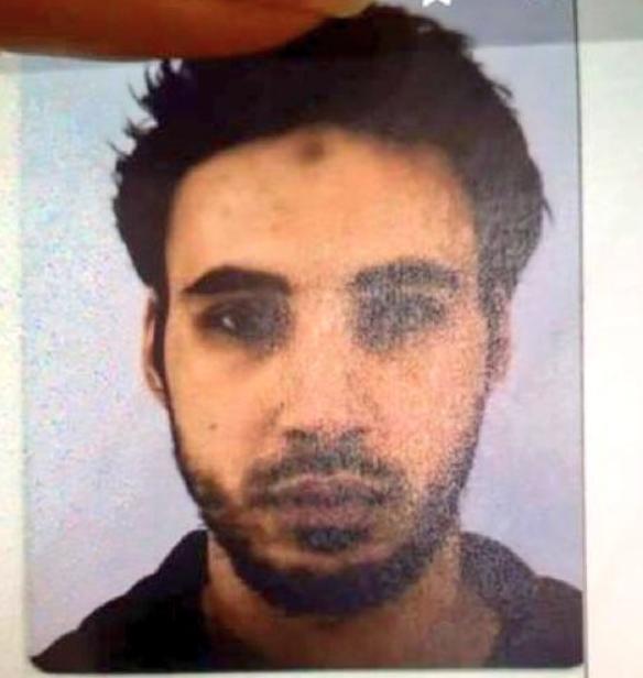 Шеккат Шакриф, якого підозрюють у вбивстві трьох людей на ярмарку у Страсбурзі / twitter.com/DamienRieu