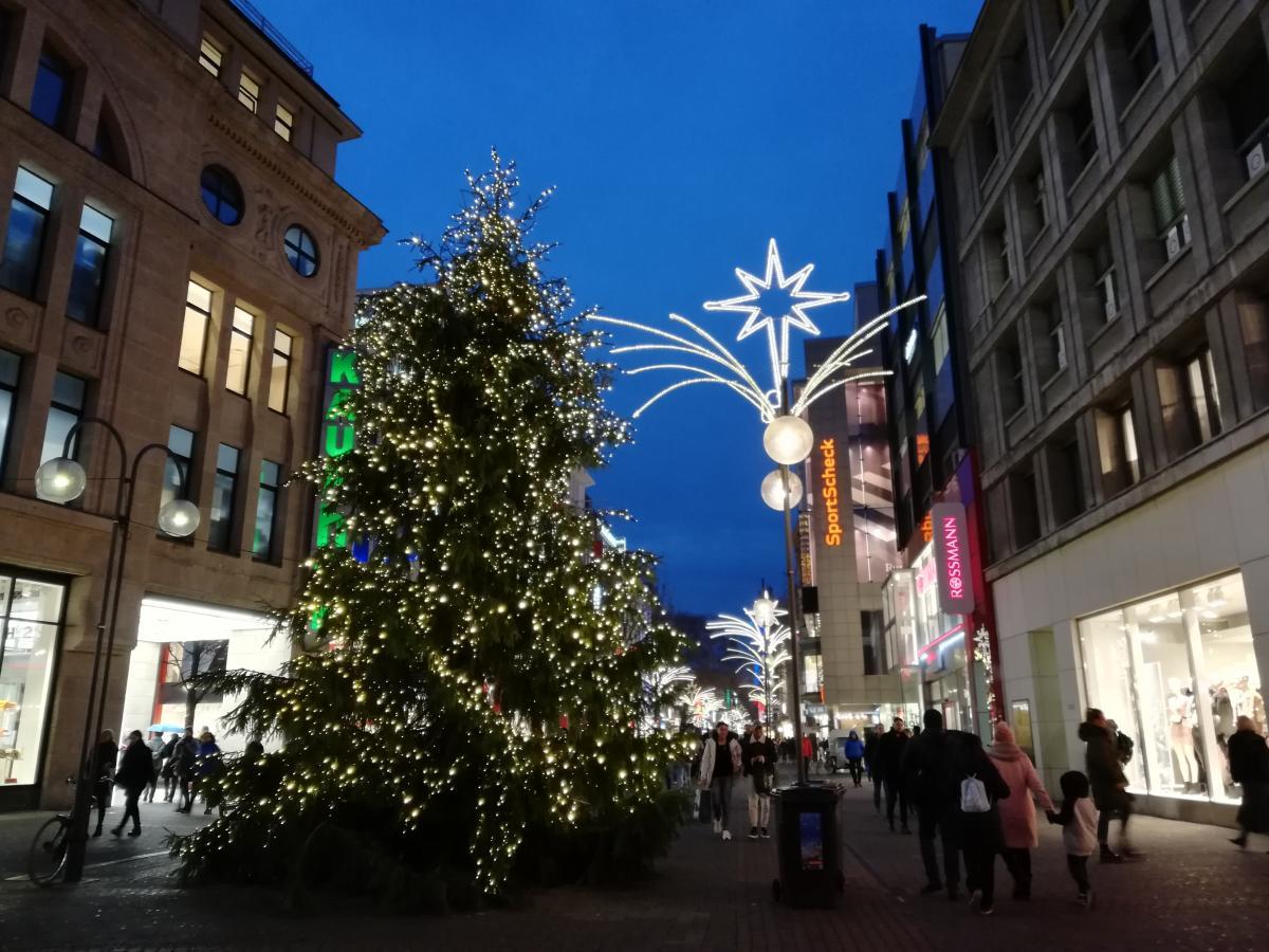 К Рождеству немецкие города преображаются (Кельн) / Фото Марина Григоренко