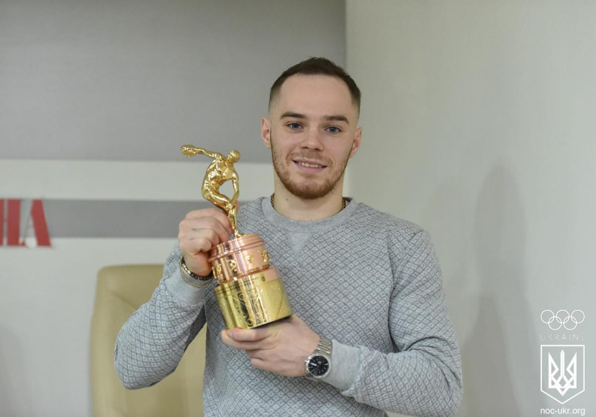 Олег Верняев получил 10-ю награду НОК Украины лучшему спортсмену месяца / НОК Украины
