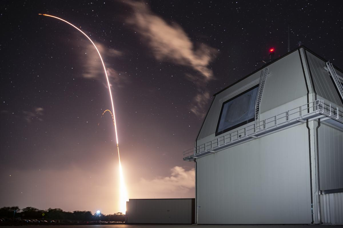 Запуск ракеты SM-3 Block IIA системы ПРО Aegis Ashore / фото U.S. Army / navy.mil