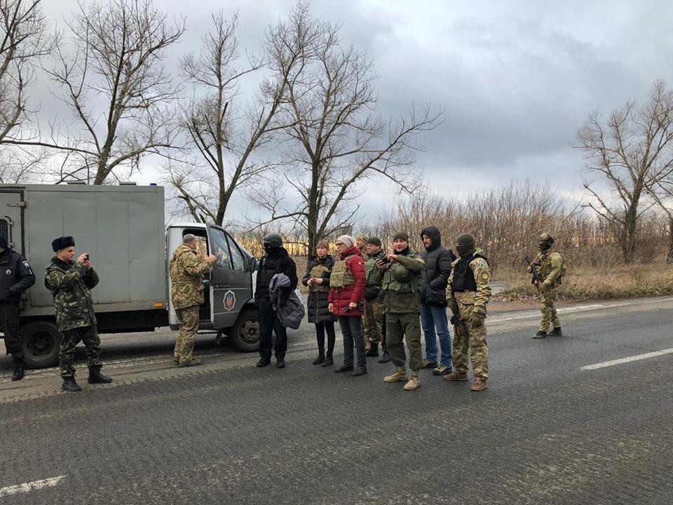 Окупанти з  Донеччини передали на підконтрольну Україні територію 13 засуджених