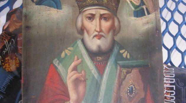 Пограничники обнаружили в украинки старинную икону святого Николая Чудотворца / everyday.sumy.ua