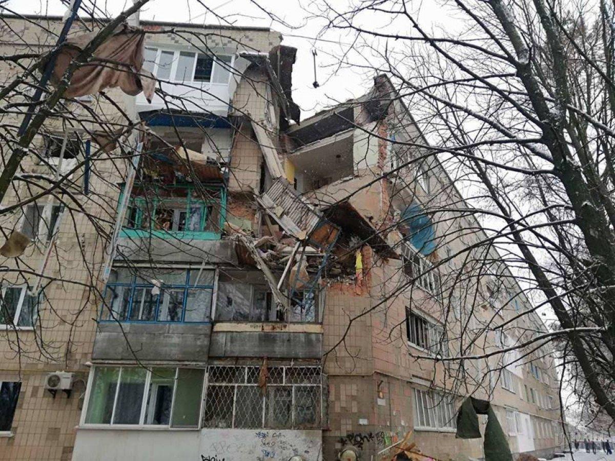 На четвертом этаже пятиэтажного дома произошел взрыв / фото УНИАН