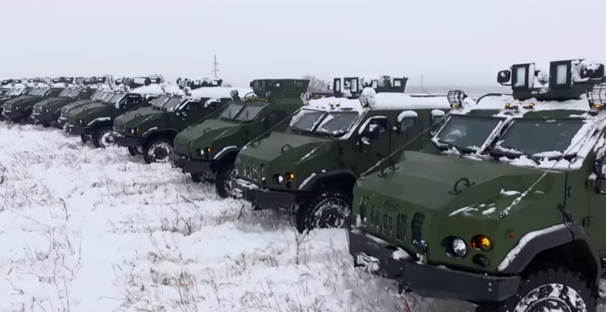 """ВСУ получили партию бронеавтомобилей """"Варта"""" / скриншот"""