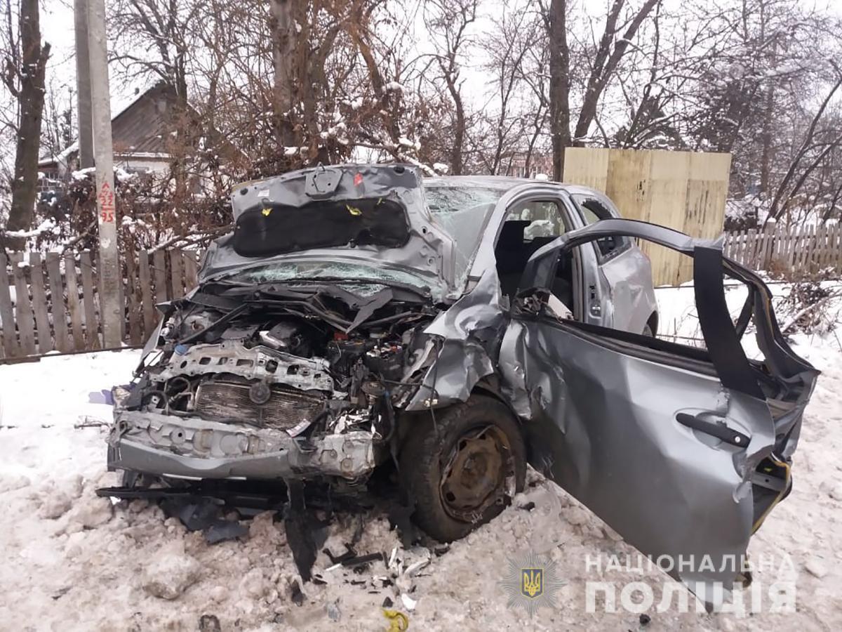 Водитель автомобиля Opel не справился с управлением / фото: Нацполиция
