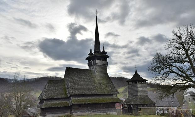 На Закарпатье взялись за реставрацию древних деревянных храмов / prozak.info