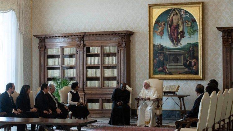Папа Франциск на встрече с делегатами Международной комиссии против смертной казни / vaticannews.va