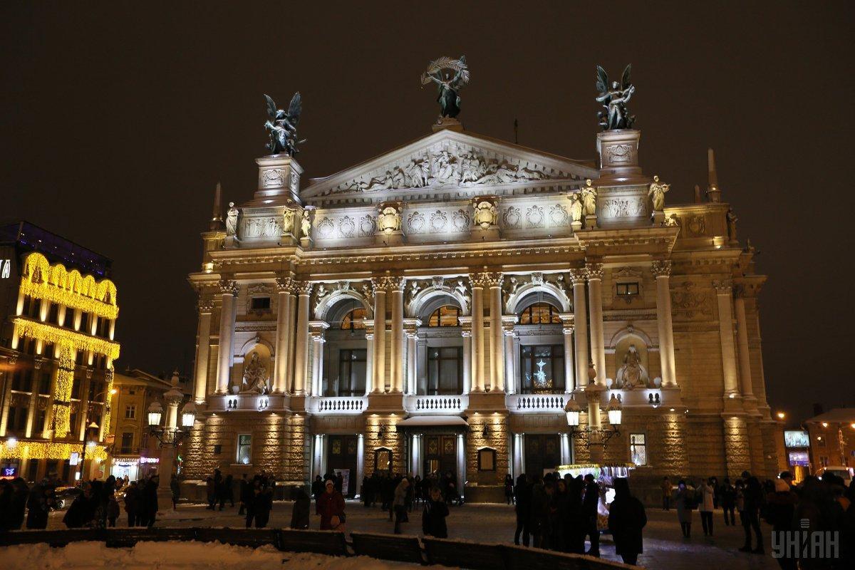 Новогодняя ярмарка во Львове / фото УНИАН