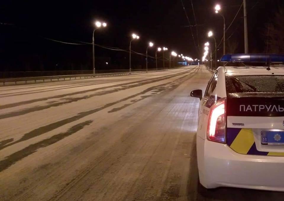 В Ривне полиция зафиксировала факт вмешательства в работу правоохранителей вооруженными людьми/ facebook.com/zborik14