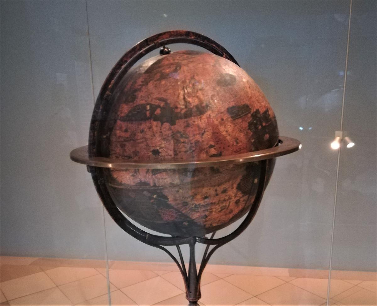 Behaim Globus конца 15 века, известный как «Земное яблоко» / Фото Марина Григоренко