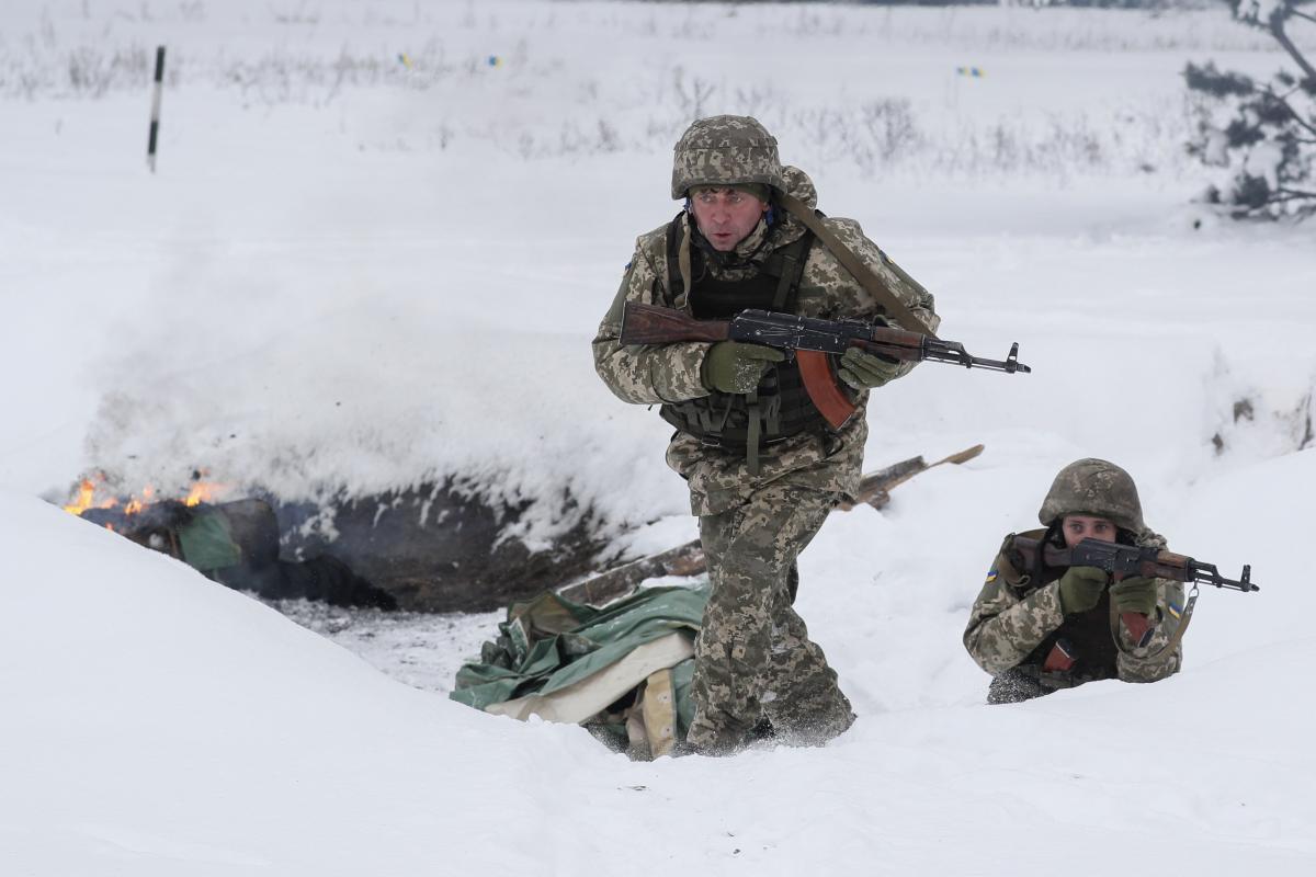 По украинским бойцам стреляли из гранатомета / фото REUTERS