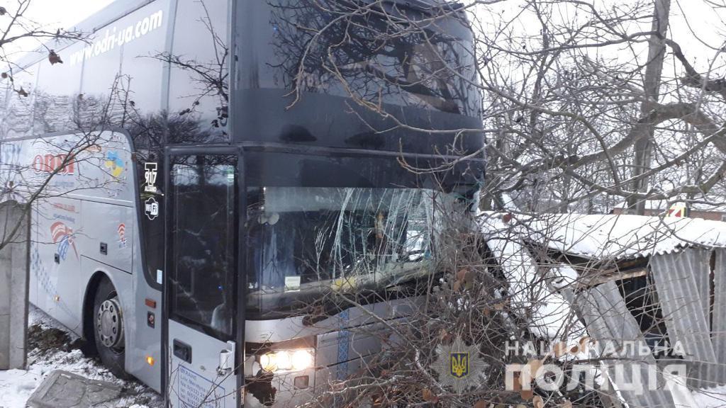 Автобус Van Hool сообщением Одесса-Бары ехал в направлении Винницы / фото пресс-служба полиции области