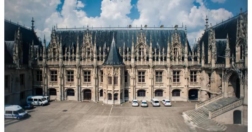 Дворец правосудия в Руане / livejournal.com
