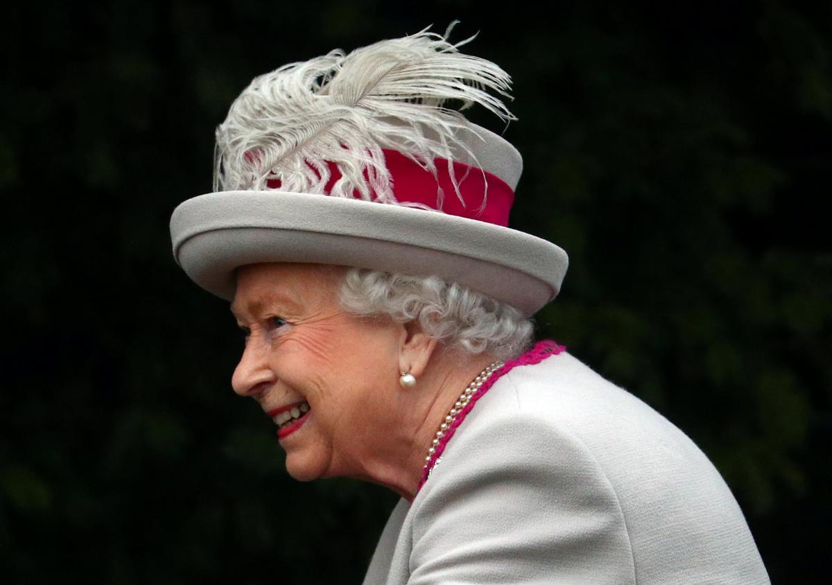 Молодой мужчина пытался залезть водворец ккоролеве Великобритании
