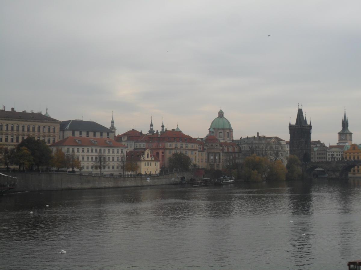 Вид на Старый город и Карлов мост / фото: Ольга Броскова