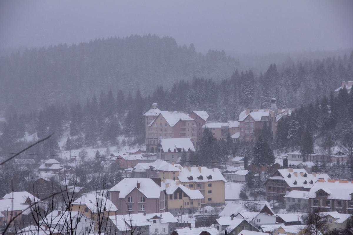 Зимой Сходница похожа на праздничную открытку / фото: Ольга Броскова