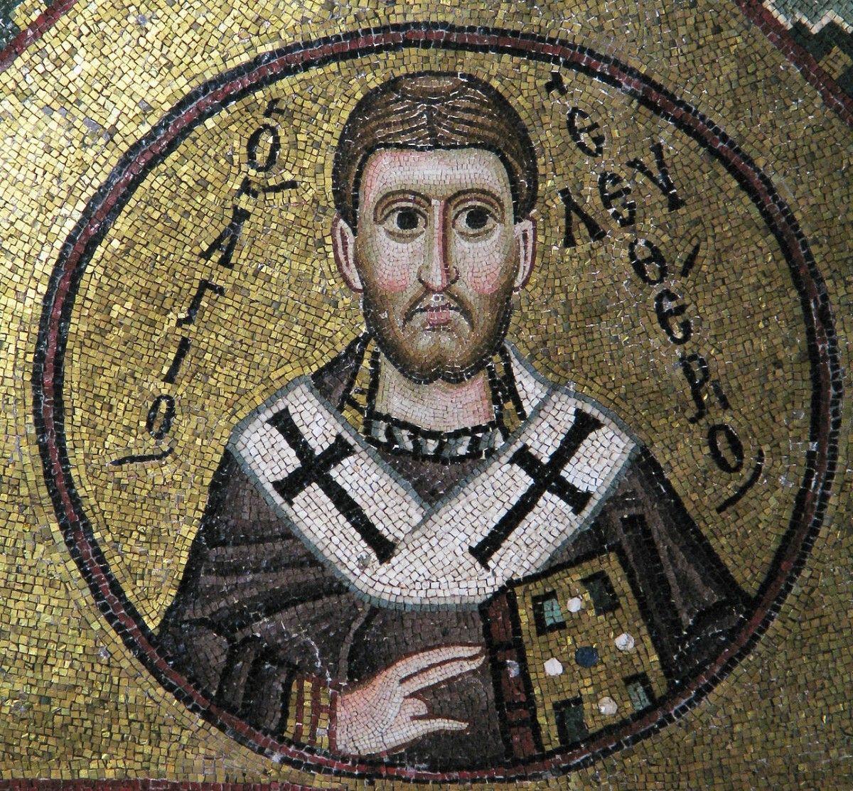 Святой Елевферий был сыном знатного римского гражданина. Юноша был воспитан в христианском благочестии своей матерью.