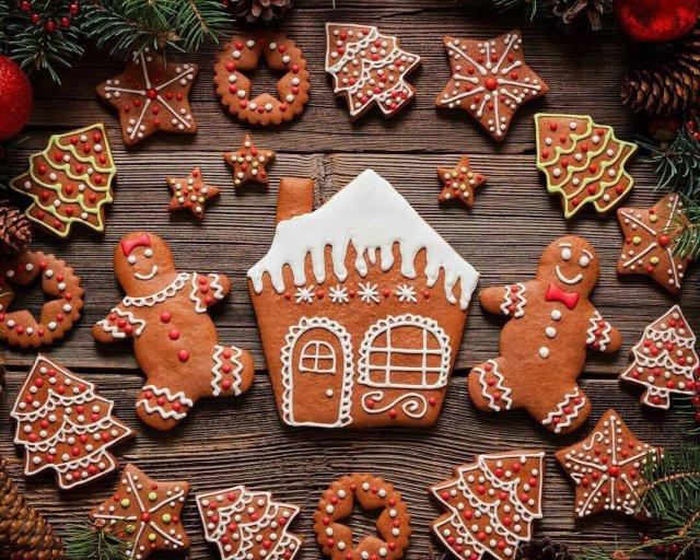 Рецепт новогоднего имбирного печенья / фото patee.ru