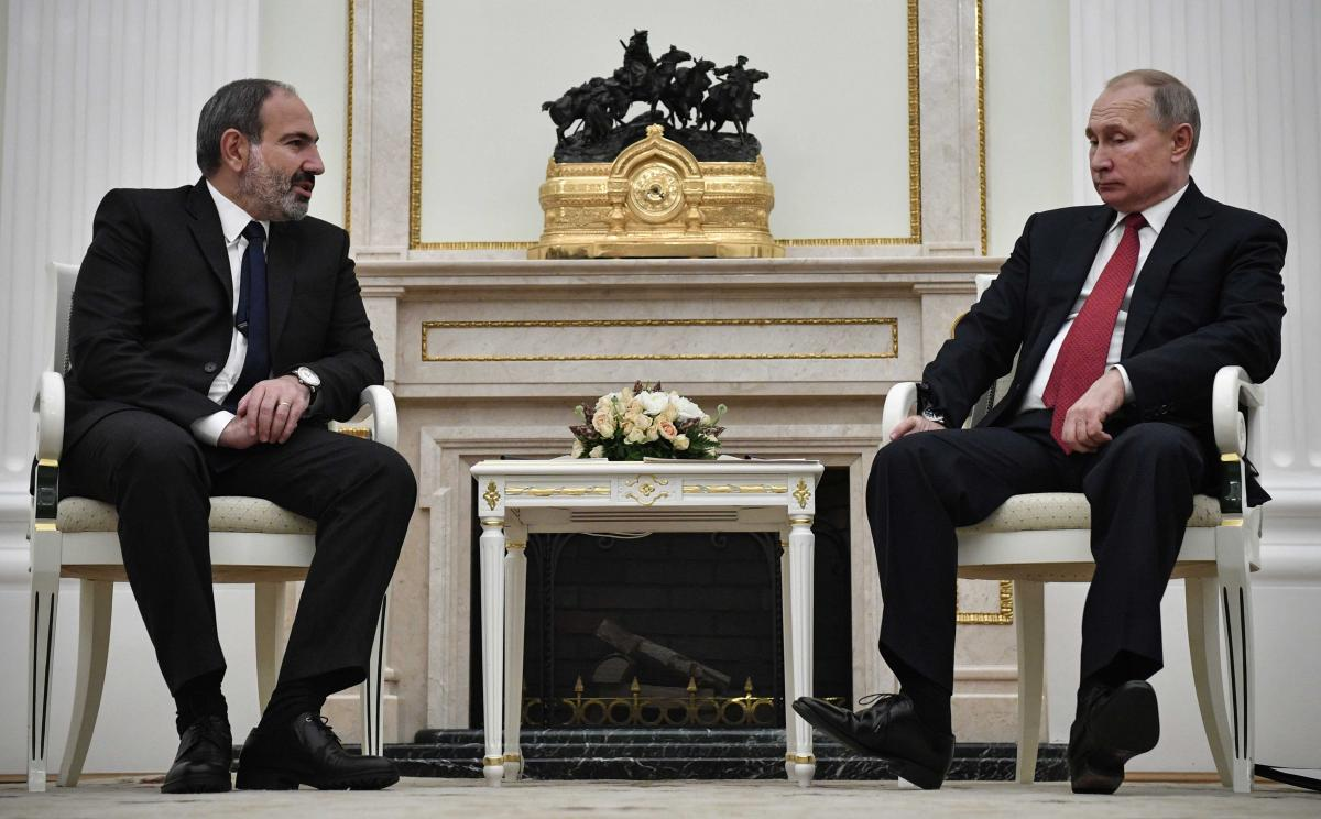 Президент Армении Никол Пашинян и Владимир Путин / REUTERS