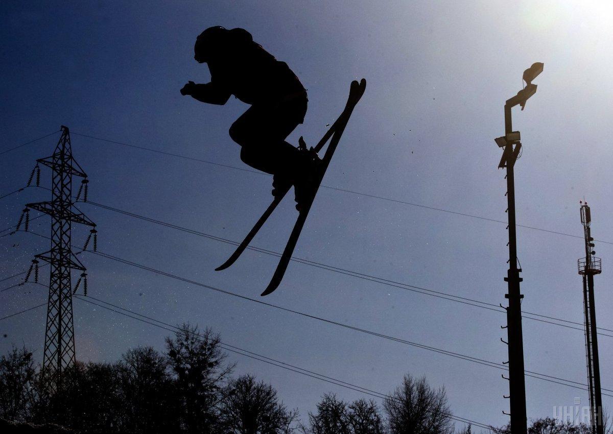 В РФ мужчина погиб, катаясь на лыжах / фото УНИАН