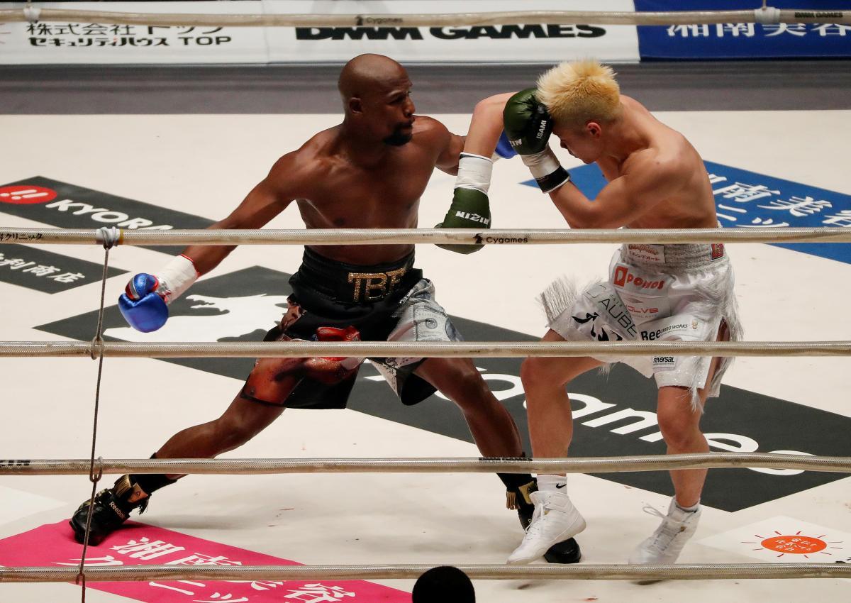 Флойд Мейвезер в первом раунде победил ТенсинаНасукаву / REUTERS