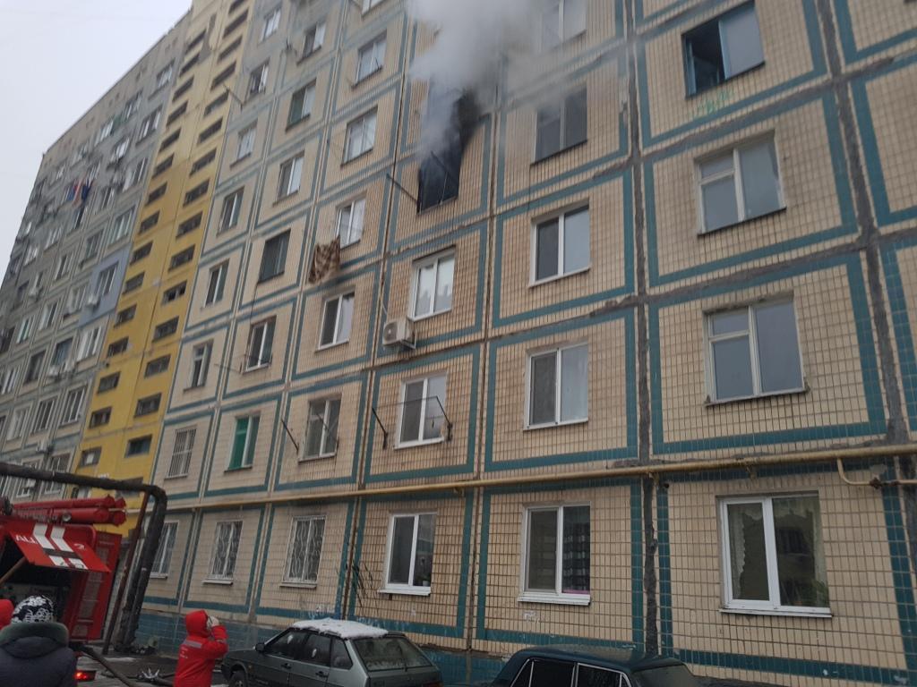 Пожежа виникла у квартирі на четвертому поверсі / фото прес-служба ДСНС області