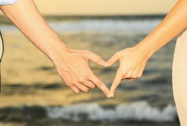Любовний гороскоп 2020: яким знакам Зодіаку рік принесе божевільне кохання