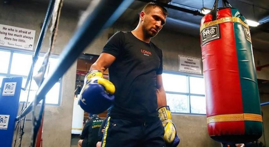 Ломаченко является абсолютным фаворитом чемпионского боя с Кроллой в легком весе