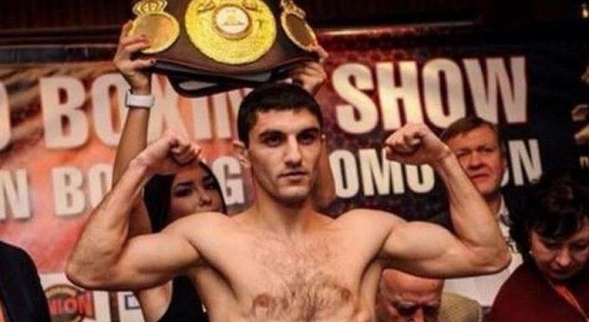 Далакян защитил титул чемпиона мира по боксу WBA в наилегчайшем весе