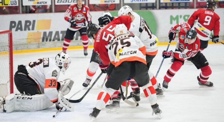 «Донбас» в нелегкому поєдинку вирвав три очки у «Кременчука» в матчі УХЛ