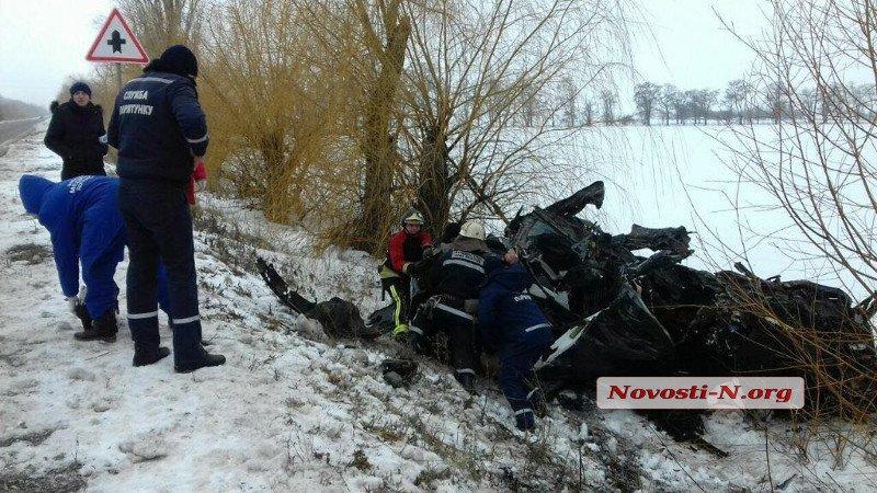 8-летняя девочка, пострадавшая в смертельном ДТП на Николаевщине, находится в тяжелом состоянии / фото novosti-n.org