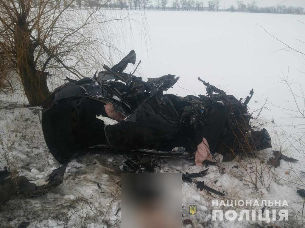 Появилось видео жуткого ДТП на Николаевщине, в которомпогибло 8 человек / фото mk.npu.gov.ua