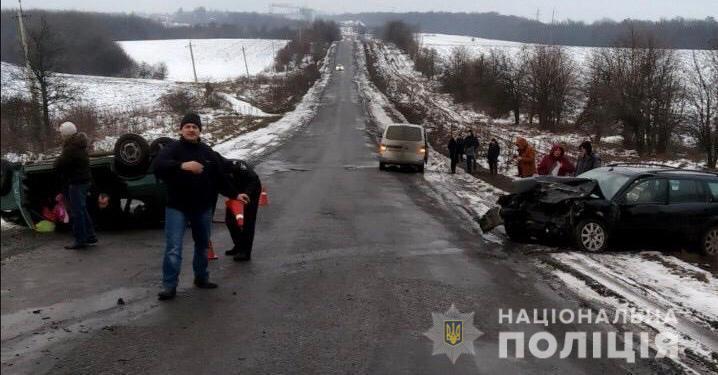 На Вінничині у жахливій ДТП загинуло троє людей, серед яких немовля / фото vn.npu.gov.ua
