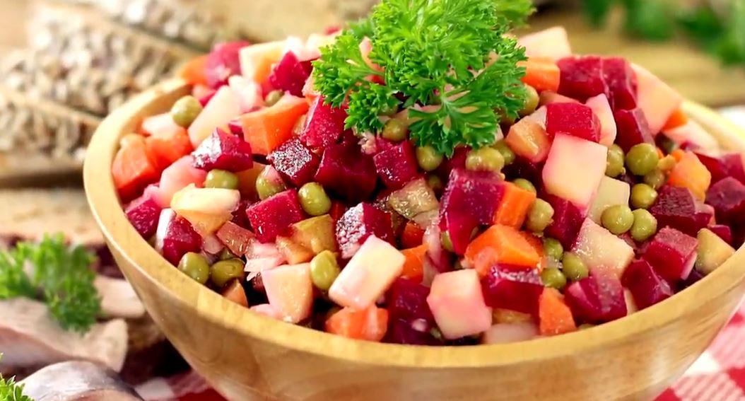 Для приготовления винегрета понадобятся простые овощи / Скриншот