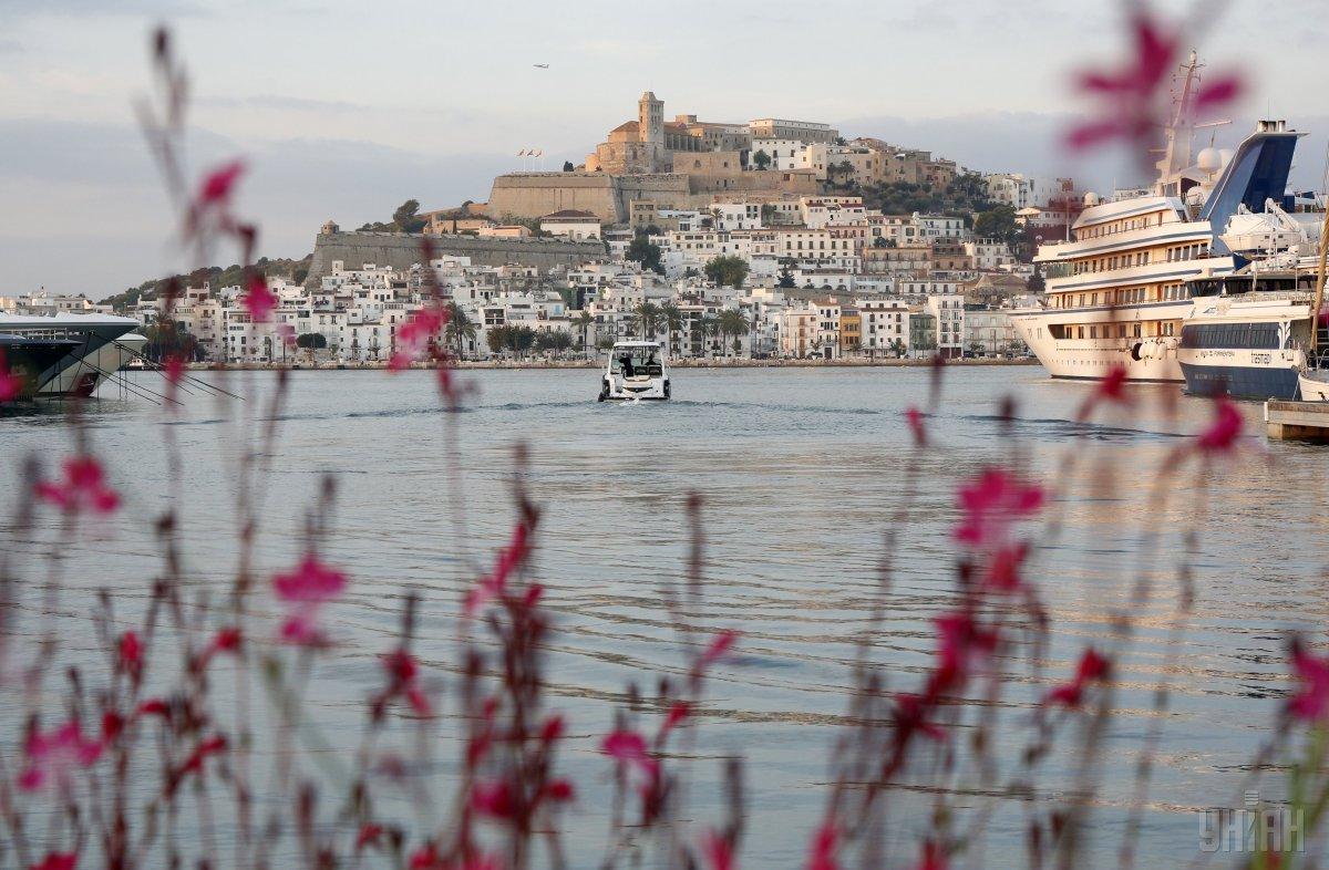Название острова Ибица стала словом года в Австрии / фото УНИАН