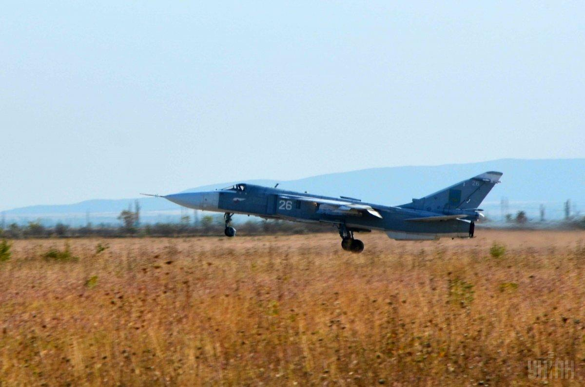 СУ-24 модернизируют, оснастив современной бортовой аппаратурой / фото УНИАН