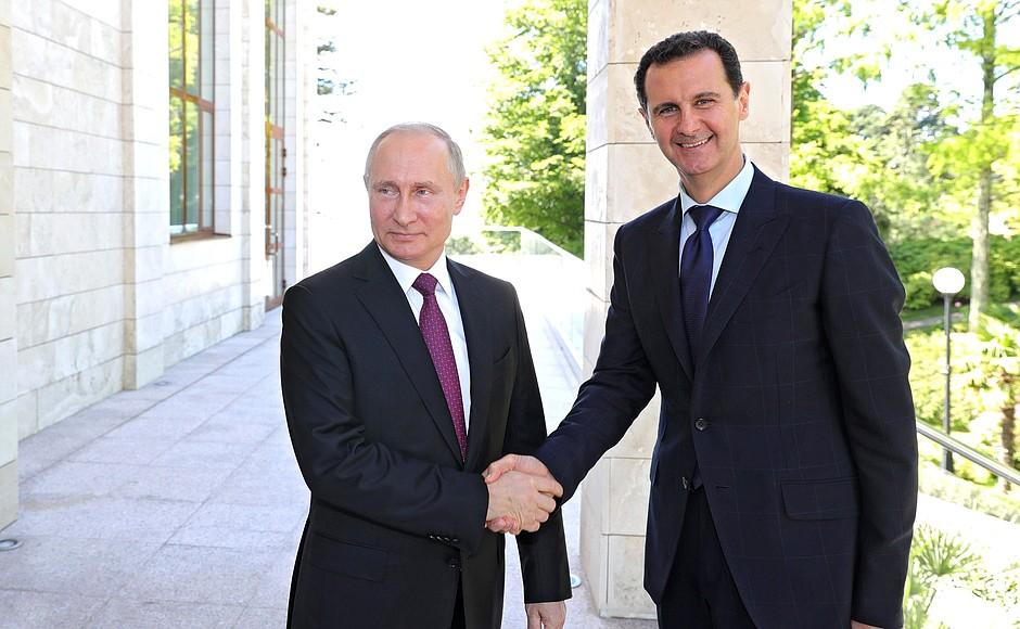 Assad (right) with Putin (left) / Photo from Kremlin.ru
