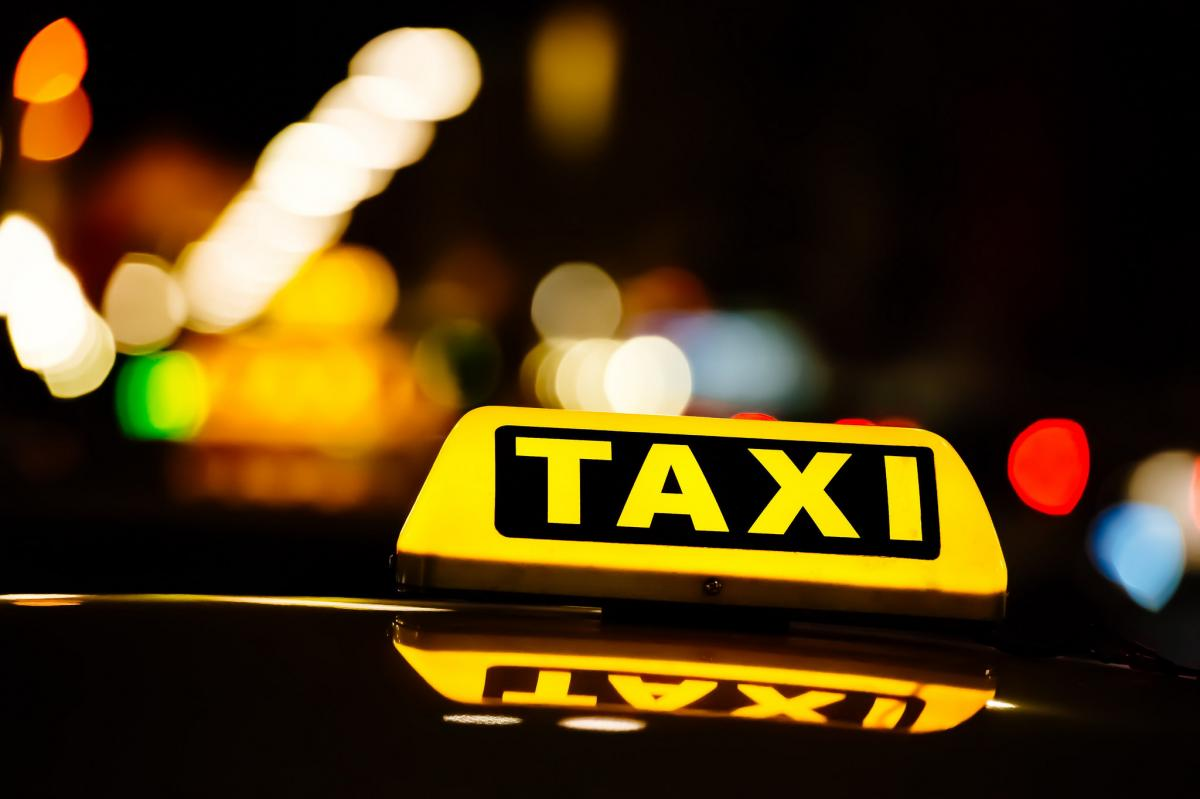Таксист провчив жінку / фото flickr.com/Automobile Italia