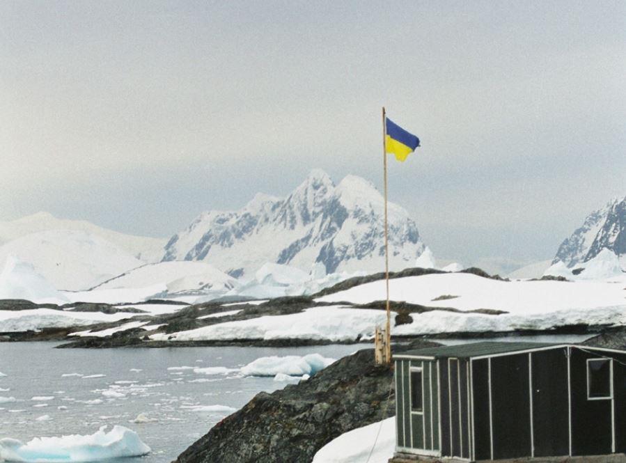 Скорость разрушения антарктического ледового щита растет / wikipedia.org
