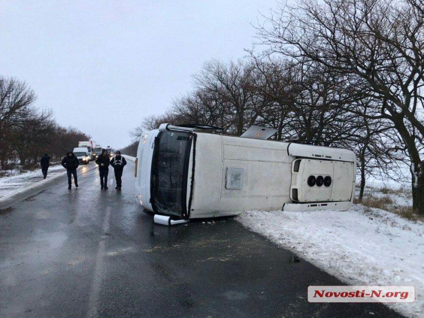 Під Миколаєвом потрапив в аварію рейсовий автобус / Новости N
