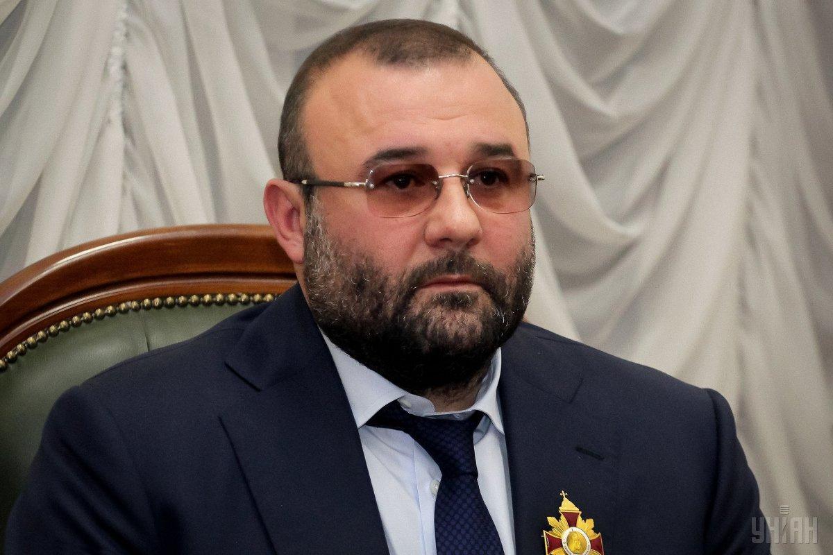 Министр обороны наградил Алексадра Петровского пистолетом Glock / фото УНИАН