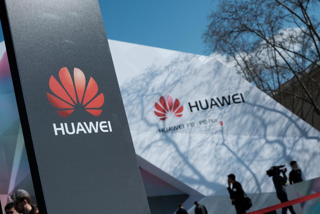 США звинуватили Huawei в шахрайстві і крадіжці комерційної таємниці / фото Flickr.com/Kārlis Dambrāns