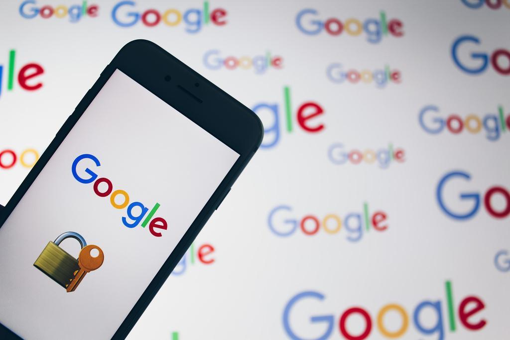 Париж заявил о введении налога на «большую четверку» / фото flickr.com